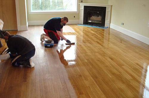 实木地板保养中打蜡应该怎么做?