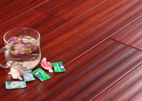 圆盘豆实木地板的地板报价贵不贵?好不好?
